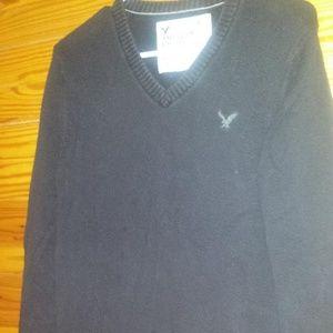 Men small American Eagle sweater